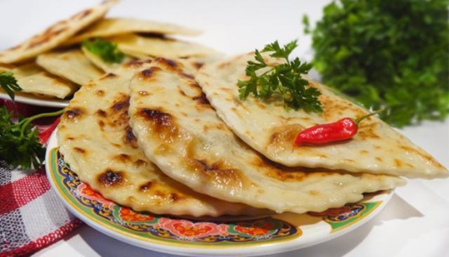 Хрустящая корочка, сочная и ароматная начинка, ни капли лишнего жира — восхитительное блюдо, перед которым никто не устоит.